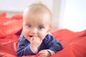 Babyfotos zu Hause ein ganz besonderes Foto